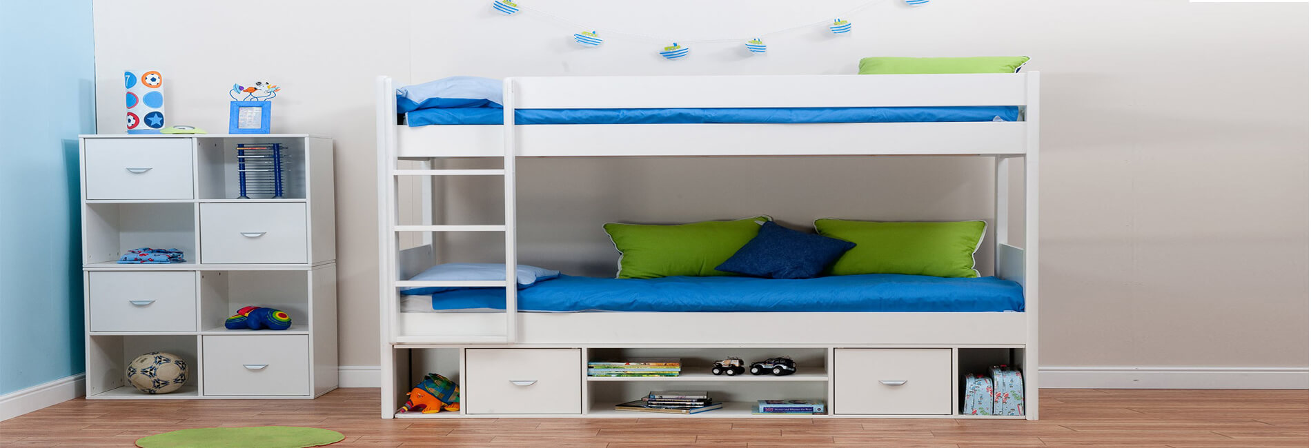 Childrens Beds With Pull Out Bed Underneath Childrens Bunk Beds